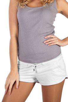 Белые короткие шорты Mondigo